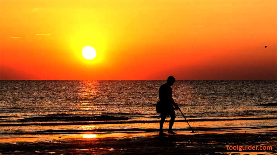 Beginners Guide to Metal Detecting on the Beaches